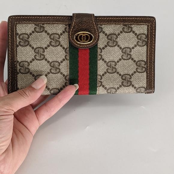 Gucci Handbags - Gucci Phone Holder & Bi-fold Wallet 2pc Set Mint❣️